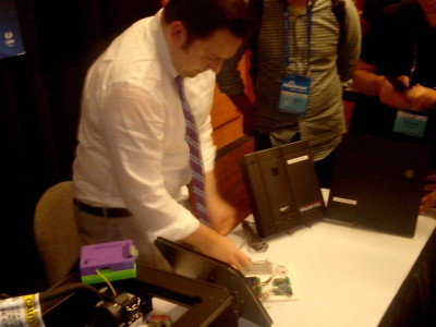Tastic RFID Thief – Demo of Weaponized HID Indala and iCLASS long-range readers at Black Hat USA 2014 – Tool Arsenal - 06Aug2014.